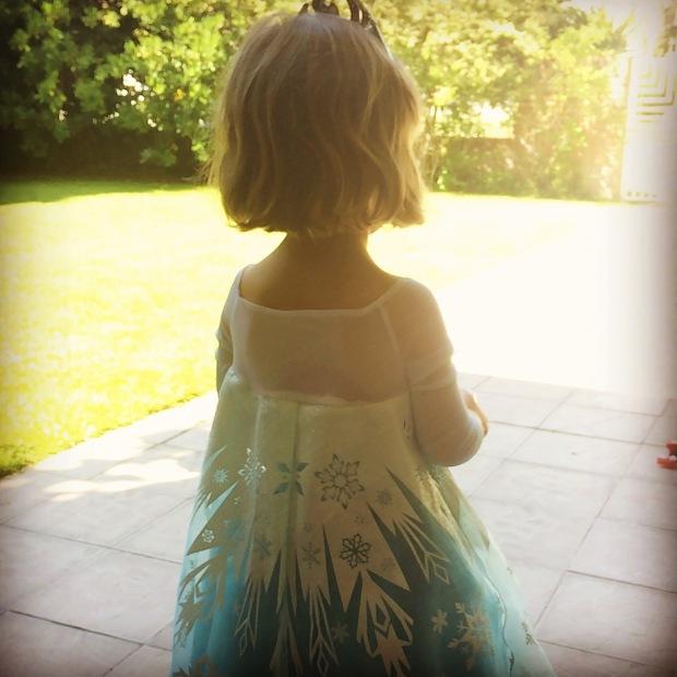 Aunque rebelde, sucumbimos a Frozen como toda preescolar que se precie.